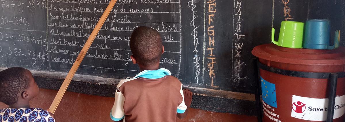 Mielenterveyden tukea koronaviruspandemiasta ja levottomuuksista kärsiville Sahelin alueen lapsille