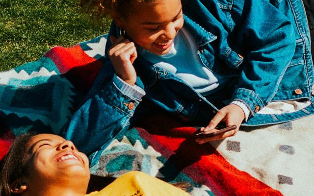 Lasten digitaalista hyvinvointia ja turvallisuutta parannetaan yhteistyöllä – Microsoftin,  Accenturen ja Pelastakaa Lasten viidesluokkalaisille suunnattu oppimisalusta otetaan käyttöön vuonna 2022
